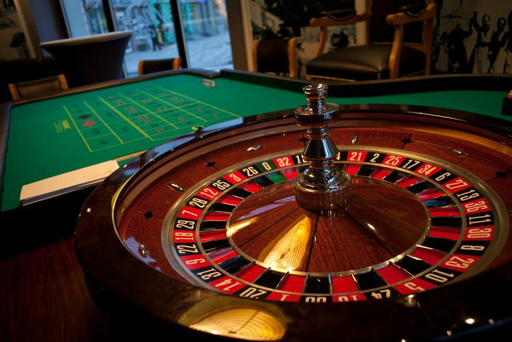 Explanatory guidelines for best roulette strategies