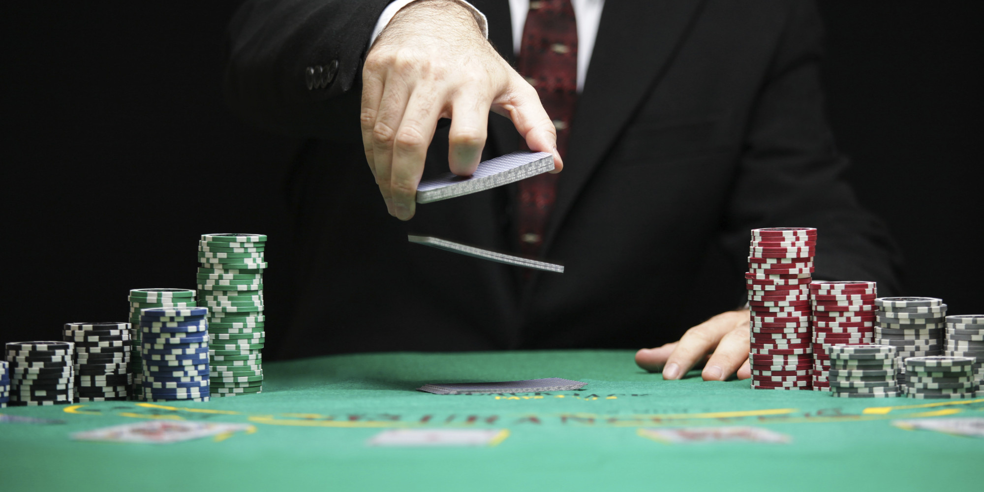 Poker Free Roll Strategy – Know about the strategies